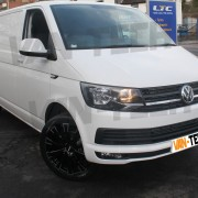 Calibre Manhattan 20″ inch Alloy Wheels fitted to  VW Transporter T6 Van