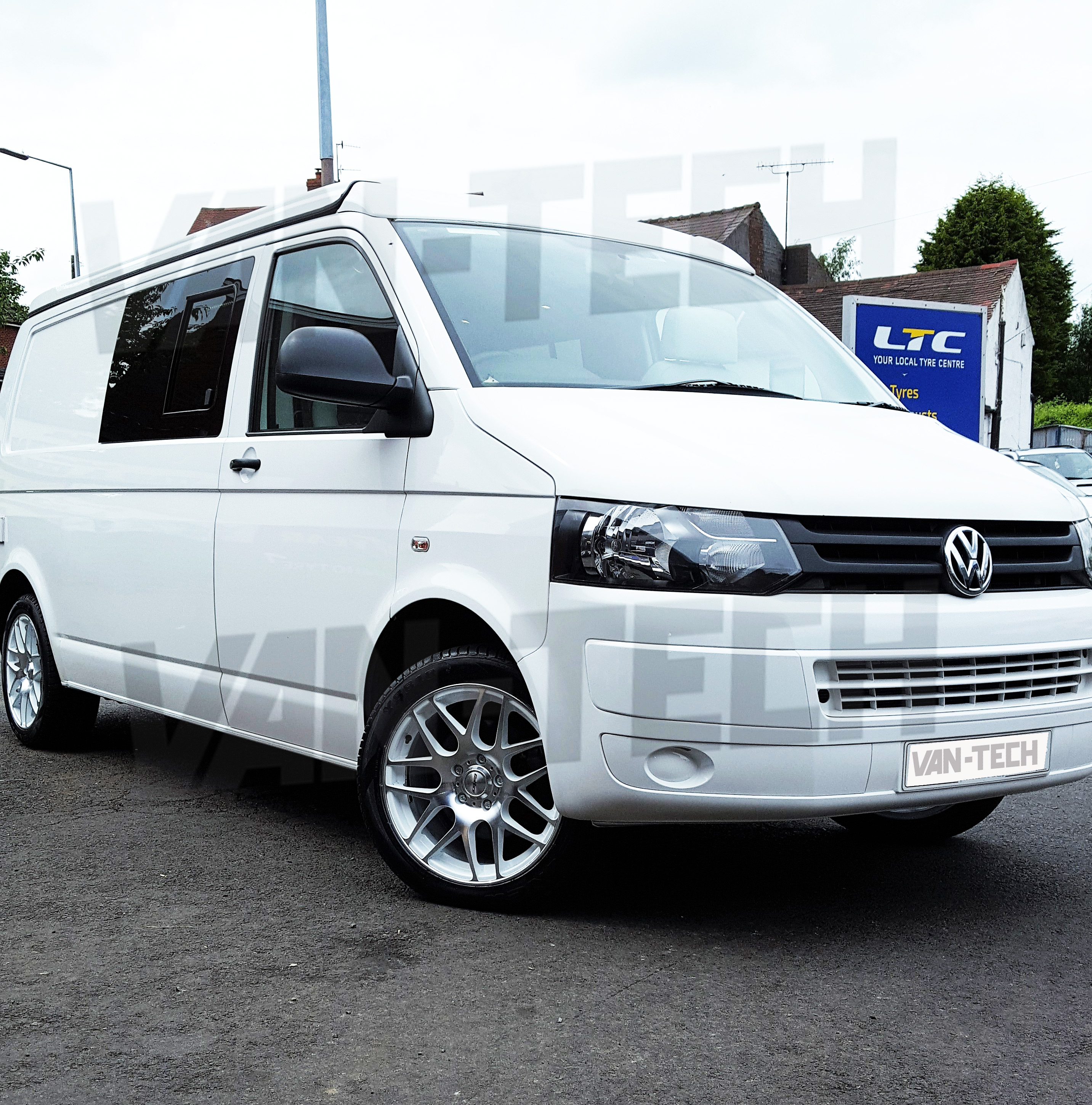 Calibre Exile 18 Alloy Wheels Polished White Fitted To