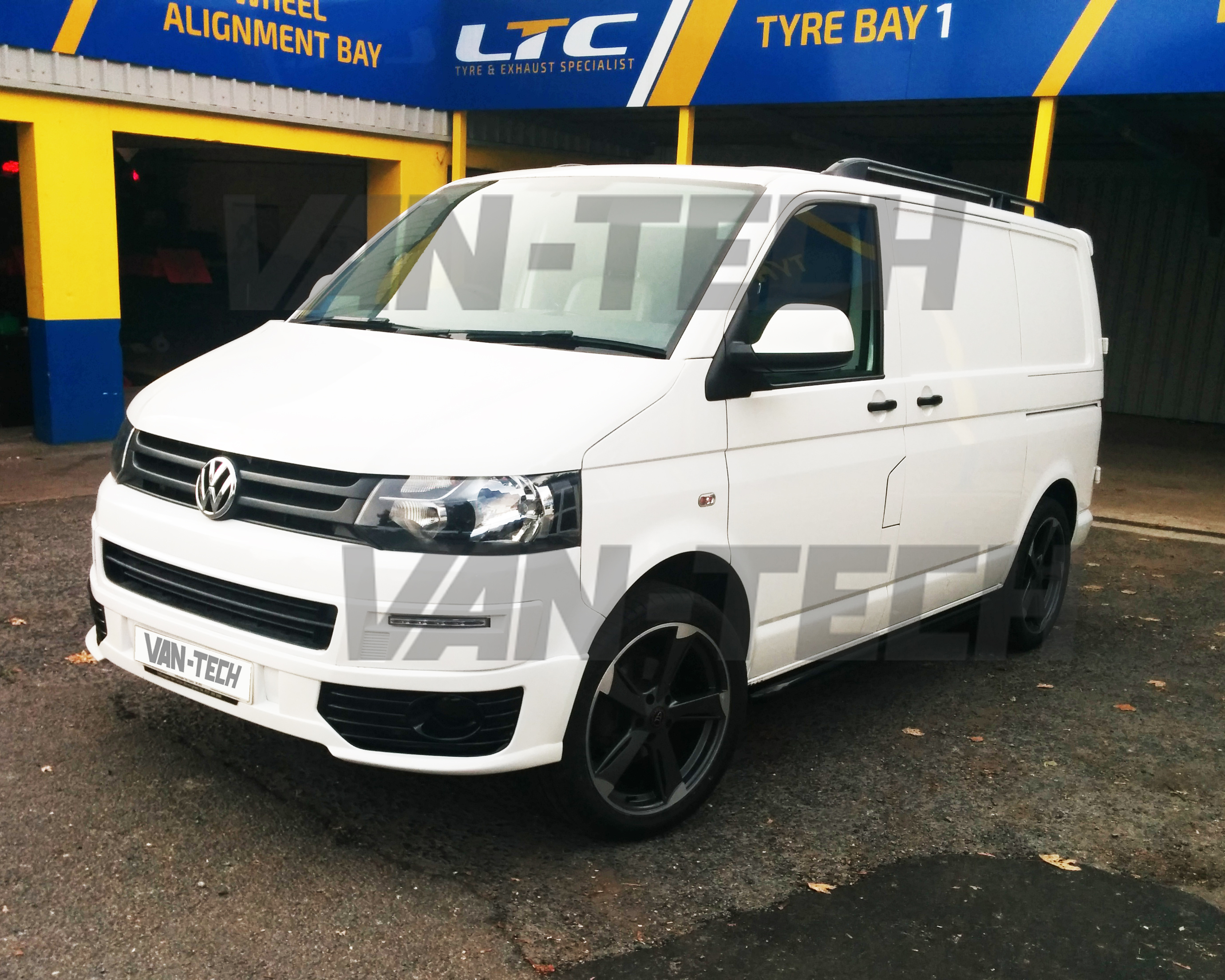 sold volkswagen transporter t5 van white 2013 2 0 swb. Black Bedroom Furniture Sets. Home Design Ideas