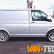 VW-Transporter-T5-2.0l-6-speed-lots-of-extras-12