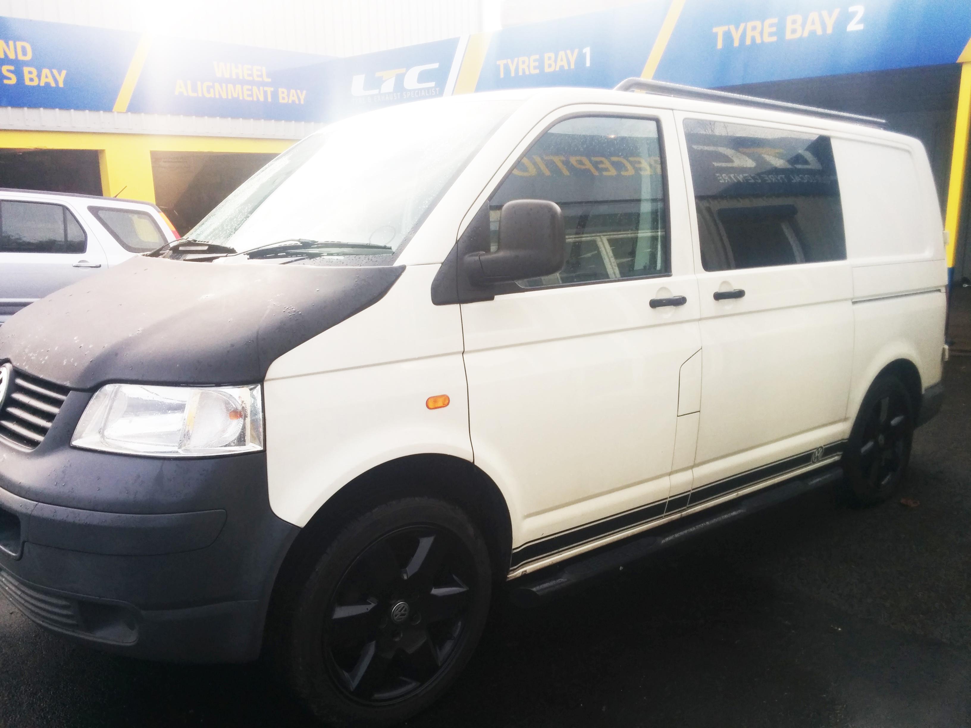 Volkswagen Transporter T5 Factory Combi Van White 2007 1 9