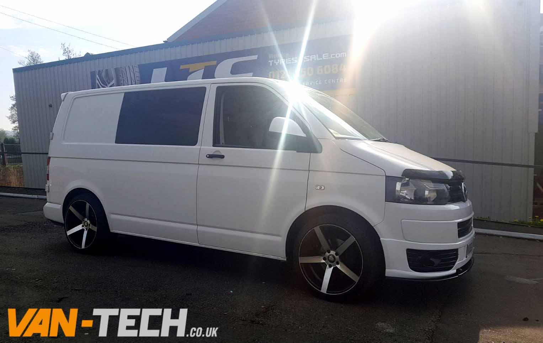 Sold: Volkswagen Transporter White T5.1 2010 2.0l Diesel ...